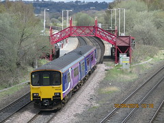 150114 Northern Rail leaving Ravensthorpe Station with a Leeds Huddersfield stopping service (Barrytaxi) Tags: photoblog photoaday 365 northernrail ravensthorpe