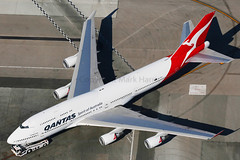 Qantas Boeing 747-438/ER VH-OEH (Mark Harris photography) Tags: plane canon la aircraft aviation lax spotting