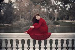 Red April (Tania Cervin) Tags: parque red portrait art primavera girl beauty canon hair 50mm spring rojo model dress retrato fine april retiro vestido portriat seleccionar taniacervianphotography