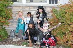 Trick or treating kids 1 (Aggiewelshes) Tags: halloween dorothy october halloweencostume vivian olsen eryn cailin jovie 2015 skeletonrocker