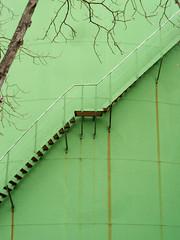 Treppe (onnola) Tags: berlin green stairs germany deutschland tank harbour treppe oil grün mita hafen gwb geta neukölln britz öltank storagetanks tanklager guesswhereberlin guessedberlin gwbsurfer321meins britzwest