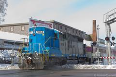 GP18 904 at Broad St (Roman Daniels) Tags: street rail line commuter mbta slc broad extra f40 mbcr keolis gp18 middleborolakeville