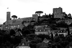 Turenne ( Lettie Photography ) Tags: blackandwhite bw france monochrome blackwhite noiretblanc medieval nb turenne correze corrze limousin noirblanc mdieval vicomtdeturenne bnwsociety bnwlife bnwadd bnwmagazine bnwaddicted