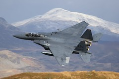 Maul 24 (supersev41) Tags: snow mountains wales canon prime grey fighter eagle action aircraft low aeroplane 300mm american panthers usaf maul lowlevel 48th fighterjet f15e strikeeagle maul24