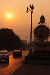 Sunset, Bangkok, Thailand (ARNAUD_Z_VOYAGE) Tags: street city building art beach nature architecture landscape thailand asia state action country capital southern portion southeast peninsula region department indochina municipality indochinese