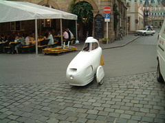 Individual mode of transport at Bamberg (tedesco57) Tags: white bike covered