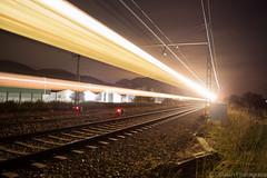 Que viene!! (Cristianphotography) Tags: city urban night train tren noche spain nikon paisaje nocturna gandia vias largaexposicion longexposition vacias d5200 nikond5200
