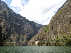 """Cañon del Sumidero <a style=""""margin-left:10px; font-size:0.8em;"""" href=""""http://www.flickr.com/photos/127723101@N04/25712436855/"""" target=""""_blank"""">@flickr</a>"""