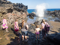 all around the blowhole (dolanh) Tags: hawaii maui spray nakaleleblowhole kahekilihighway