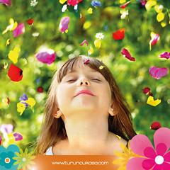 """Pazartesi mutluluu :) Hep """"pazartesi sendromu"""" olacak deil ya; pazartesi mutluluuna da yer amak lazm hayatta. Mis gibi bahar havasn dolu dolu yaayalm. Karamsarlktan uzak, hayal ve mutluluk dolu hafta geirmeniz dileiyle. (turuncukasa1) Tags: spring monday bahar mutluluk pazartesi turuncukasa pazartesisendromu"""