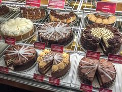 Cheesecake Factory @ Dubai Mall (MadGrin) Tags: dubai uae unitedarabemirates ae emiratiarabiuniti