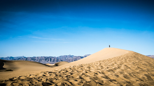 Mesquite Sand Dunes - Death Valley, United States - Color street photography