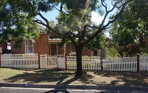8 Francis St, Goulburn NSW 2580