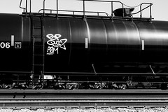 (o texano) Tags: bench graffiti texas houston trains sws d30 wh freights pque popquiz a2m benching adikts