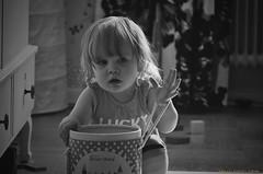 Eminah leker (MIKAEL82KARLSSON) Tags: sony leker svartvit rx10 mikael82karlsson eminah