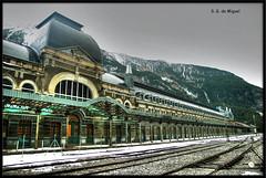 Canfranc (Huesca) (salvador g de miguel) Tags: espaa huesca estacion hdr pirineos ferrocarril canfranc photomatix pentaxk20d canfranestacion sgdemiguel
