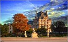 Paris, view toward Louvre Museum (_&ri.co_) Tags: park autumn sunset parco paris france statue museum tramonto louvre edificio best francia statua parigi nikond3200 2013 blueskyclouds