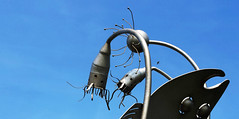 - Sputnik - (Jac Hardyy) Tags: blue sky bird art metal silver insect iron steel kunst himmel blau sputnik metall insekt antenne antenna stainless stahl eisen edelstahl fühler highgrade palp metallkunst
