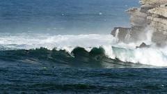 OSCAR GÓMEZ / 1841GNW (Rafael González de Riancho (Lunada) / Rafa Rianch) Tags: sea mer sports mar rocks surf waves surfing cliffs olas rocas cantabria deportes laisla océano acantilados santamarina