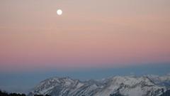 Mond - Moon ber dem Brienzergrat in den Berner Alpen - Alps im Berner Oberland im Kanton Bern der Schweiz (chrchr_75) Tags: moon schweiz switzerland mond suisse swiss christoph svizzera berner februar 2007 berneroberland oberland suissa chrigu kantonbern chrchr hurni chrchr75 chriguhurni chriguhurnibluemailch hurni070201