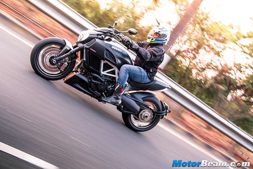 2016 Ducati Diavel Carbon Review Test Ride | MotorBeam