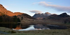 Dawn at Blea Tarn (ParkyPie) Tags: sunrise still quiet awesome lakedistrict experience cumbria stunning tarn breathtaking langdales bleatarn wrappedup wrynosepass
