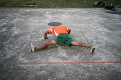 * (Sakulchai Sikitikul) Tags: street leica 35mm thailand athletics sony streetphotography snap summicron songkhla stretching hatyai a7s