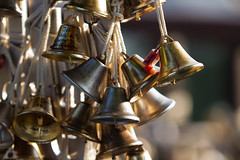 little bells (diwan) Tags: city canon geotagged eos asia southeastasia bokeh singapur citystate 2015 glöckchen republicofsingapore 新加坡共和国 சிங்கப்பூர்குடியரசு stadtstaat littlebells canoneos650d islandcountry bellsofhappiness republiksingapur faberpeak geo:lon=103818972 geo:lat=1271552