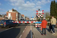 DSC_6505 (KoekMan) Tags: red raw 28mm wait winterswijk wacht spoorwegovergang nikoncoolpixa towaitornottowait