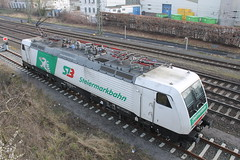 E-loc 189 822-0(Emmerich 6-3-2016) (Ronnie Venhorst) Tags: road railroad building sport architecture yard train canon deutschland eos rebel track outdoor d siemens eisenbahn rail railway zug bahnhof cargo structure 64 railwaystation freeway infrastructure vehicle locomotive loc mm t3 es bahn railways f4 trein spoor logistics duitsland lege 1100 189 spoorwegen lok treinen spoorweg 2016 emmerich elok 822 1435 eloc gefco emmerik br189 autotrein 1100d materieel eos1100d spoormaterieel eos1100 boboel steiermarkbahn