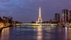 Paris (Didier Ensarguex) Tags: paris canon reflet latoureiffel toureiffel beaugrenelle 2470 statuedelalibert quartiergrenelle 5dsr didierensarguex