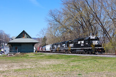 Norfolk Southern SD40-2 3338 (rmssch89) Tags: old 3 mountains diesel pennsylvania antique smoke iii class interchange alco pocono emd shortline
