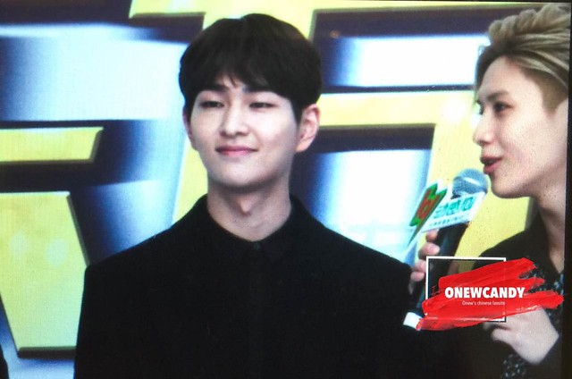 160328 Onew @ '23rd East Billboard Music Awards' 26104925845_44a27a54bc_z