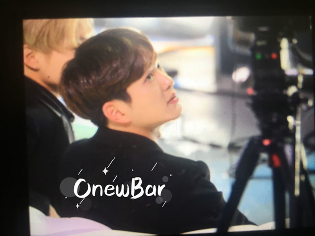 160328 Onew @ '23rd East Billboard Music Awards' 26104927185_82f3f6bc8d_z
