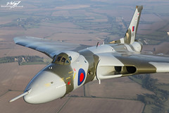Avro Vulcan B.2 XH558 - Vulcan To The Sky (BenSMontgomery) Tags: sky flying force air flight royal v b2 to vulcan bomber raf avro the in 2015 skyvan xh558 vtst gvlcn