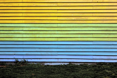 Coloured (Isengardt) Tags: blue color colour green lines yellow horizontal wall canon germany deutschland eos europa europe wand gelb gras grn blau farbe esslingen badenwrttemberg linien latten 550d holzlatten waagerecht