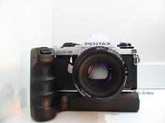 PENTAX ME Super (Claudio Arriens) Tags: camera 35mm pentax collection filme pentaxmesuper coleção powerwinderpentaxmeii