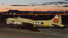Boeing B-17G 'Nine O Nine' (Tom_Morris Photos) Tags: wwii b17 boeing bomber flyingfortress warbird dvt collingsfoundation b17g nineonine deervalleyairport kdvt wingsoffreedomtour tommorrisphotos