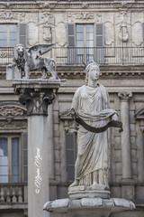 la Madonna di Verona (massimo mazzoni 78) Tags: art arte verona leone statua sanmarco veneto leonedisanmarco
