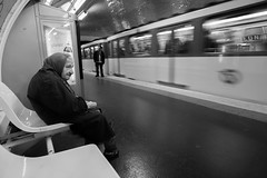 Odon station, Paris (France) (www.monoeil.net) Tags: portrait blackandwhite paris france subway noiretblanc mtro streetphotography parisian parisien photoderue pierreyvessulem