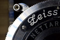 Zeiss tag (•Nicolas•) Tags: macromondays tag zeiss ikon nettar 5152 nicolasthomas yvelines france camera antique vintage 6x9 macro screw lens script shutter déclencheur vis plaque detail tags inscription old history photography label depthoffield text