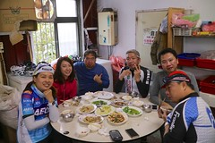 坪林公路飯店.放飯完後的合照 (nk@flickr) Tags: cycling friend taiwan katherine betty bobby taipei 台灣 台北 台湾 pinglin 志明 坪林 阿強 cheven canonefm22mmf2stm 20160102