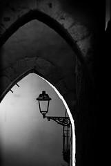 True light f5.6; 1/50s; ISO 100; FL:90mm. © Juan Manuel Saenz de Santa María, 2016. (Brenus) Tags: street original urban white black photography photographers facades sidelight impresiones tumblr lensblr