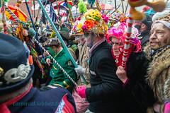 carnaval de Dunkerque 2016 (louis.labbez) Tags: france chapeau carnaval gras fête maquillage dunkerque nord dunkirk masque chant parapluie défilé déguisement 2016 déguisé masquelour carnavalcarnival grimé labbez