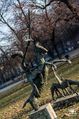 Cavaliere dell'apocalisse (andrea.prave) Tags: horse milan garden caballo cheval milano esculturas jardin sculture cavallo garten pferd sculptures giardino jardn miln rosenthal mailand     skulpturen    apocalisse  giardinipubblici      indromontanelli