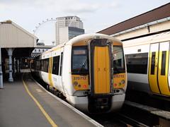 Southeastern 375712, Waterloo East (sgp_rail) Tags: white london electric train central platform rail class east waterloo third multiple emu passenger 3rd unit staton southeastern 375 railwa