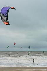 Scheveningen (YYNTL) Tags: sea holland water dutch strand scheveningen nederland zee windsurfing zand windsurfers kiter hollandslicht hollandseluchten kiters donkerekamer