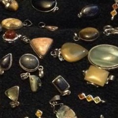 Been trying a new venture #bling #jewellery #vintage #selling (eiffion.ashdown78) Tags: vintage jewellery bling selling