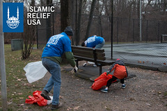 Islamic Relief USA volunteers help clean up a park on MLK Day 2015.