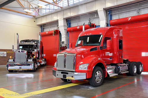 Kenworth Icon 900 & PACCAR Technical Center Kenworth T880 52